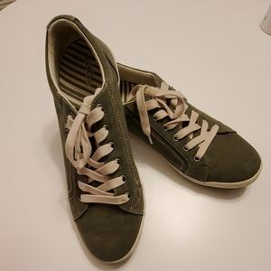 Taos Olive Green Sneakers